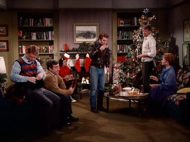 Pic: holidayfilmreviews.blogspot.com